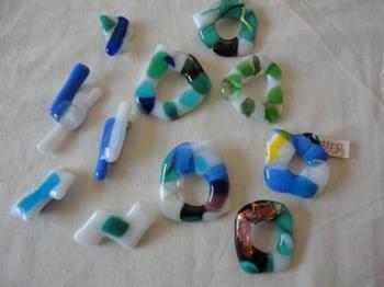ガラスのブローチ.JPG